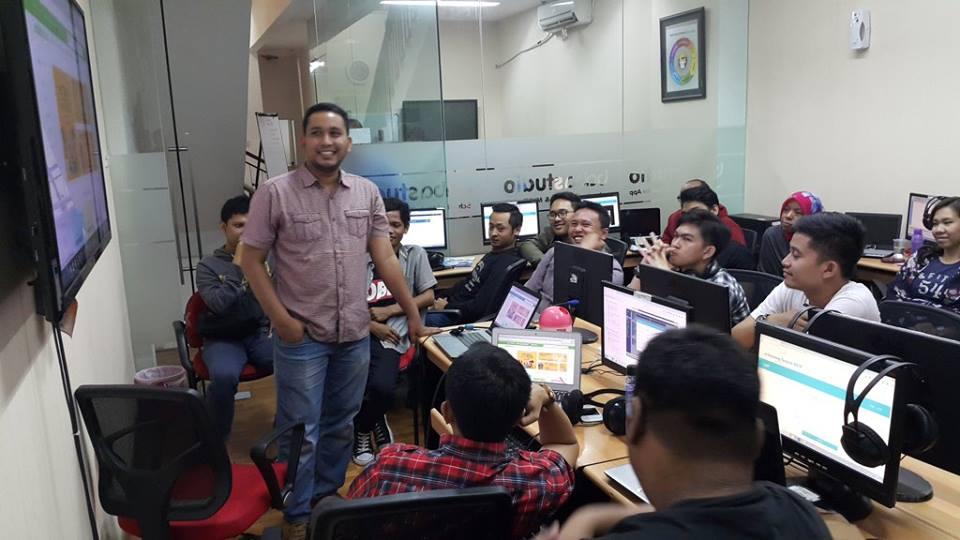 Student Baba Studio Muhibud Presentasi Hasil Karya