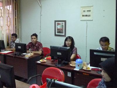 22 staff karyawan dari Kementerian Tenaga Kerja dan Transmigrasi kursus di Babastudio.com